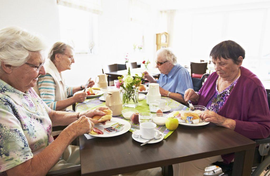 Frühstück im Haus Widum Foto: © aid infodienst e. V.