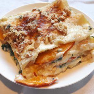 Vegetarische Lasagne mit Spinat und Kürbis